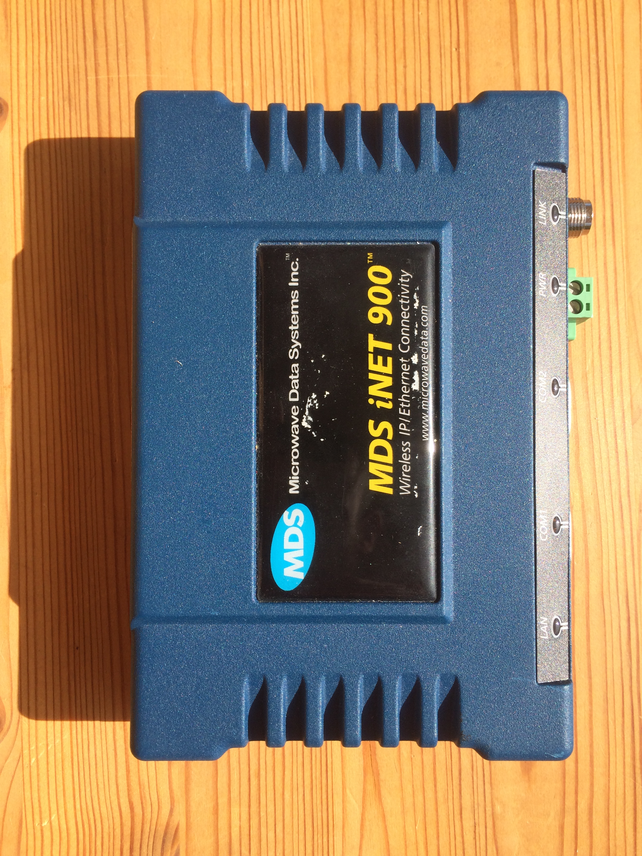 Reversing The MDS INET 900 MHz Radio Bneg